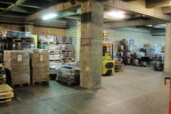 6,000 m² of storage
